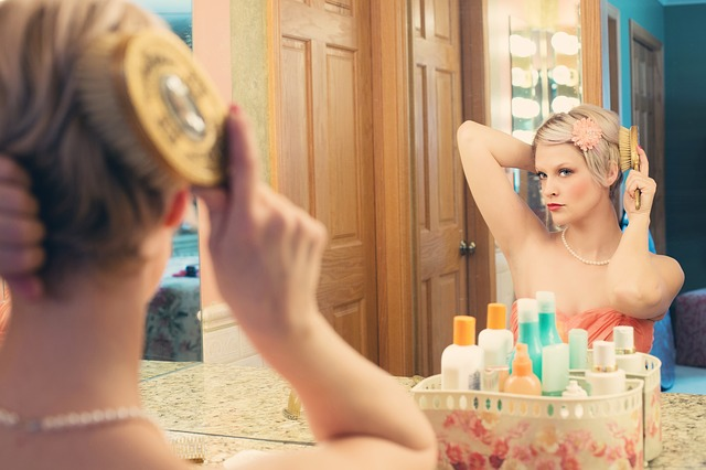 mujer-maquillaje